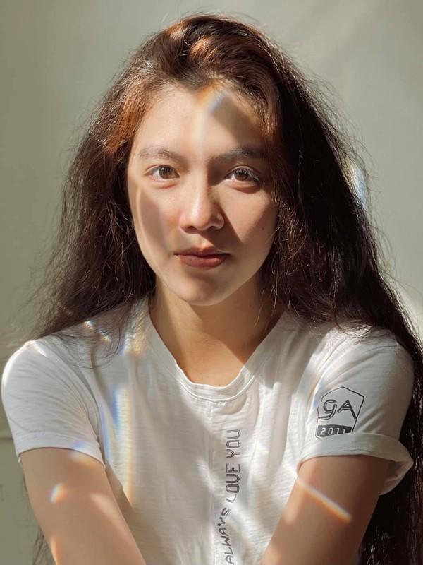 Hoa khoi DH Ton Duc Thang noi bat voi chieu cao 1,72 m-Hinh-4