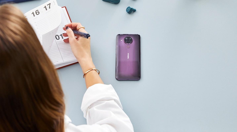 iPhone XR va loat smartphone dang duoc giam gia tai Viet Nam-Hinh-5