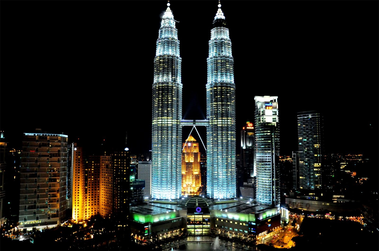 Kham pha Thap doi Petronas - Niem kieu hanh cua nhan dan Malaysia-Hinh-2