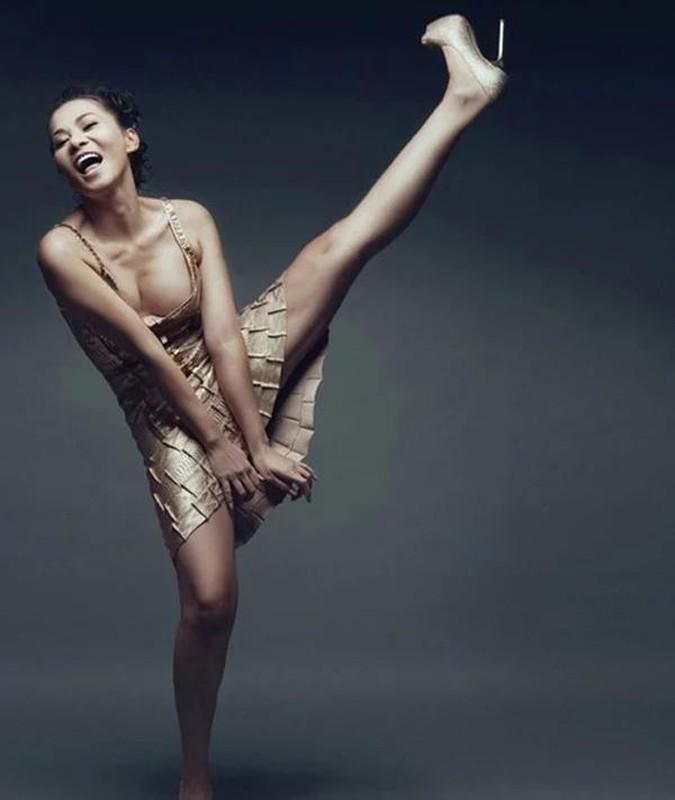 Cung pose mot dang: Ha Ho sang chanh - Thu Minh kem duyen-Hinh-7