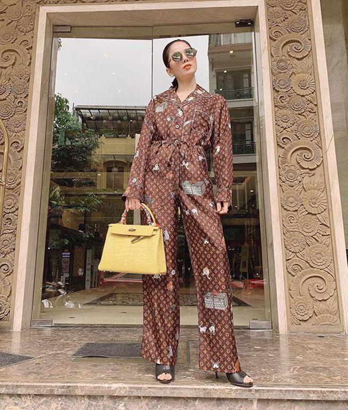 Ha Ho, Le Quyen mac do ngu pyjama thoi ma nhin gia ma hoang-Hinh-3