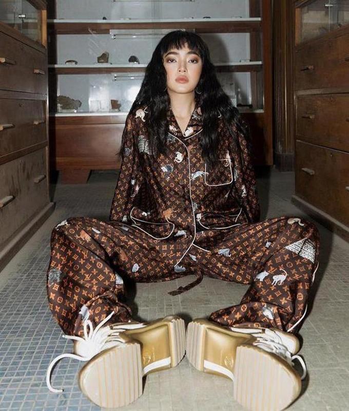 Ha Ho, Le Quyen mac do ngu pyjama thoi ma nhin gia ma hoang-Hinh-5