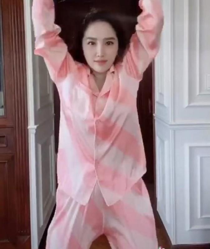 Ha Ho, Le Quyen mac do ngu pyjama thoi ma nhin gia ma hoang-Hinh-8