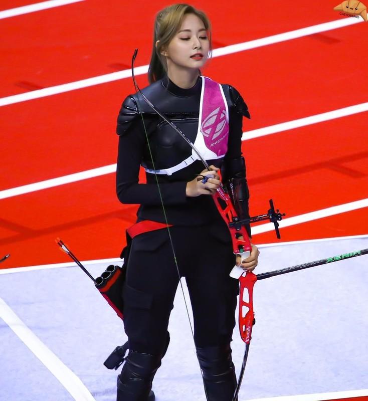 Nu ca si bi nham la cung thu du Olympic Tokyo