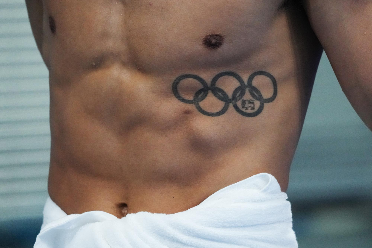 VDV thoai mai khoe hinh xam tai Olympic Tokyo-Hinh-9
