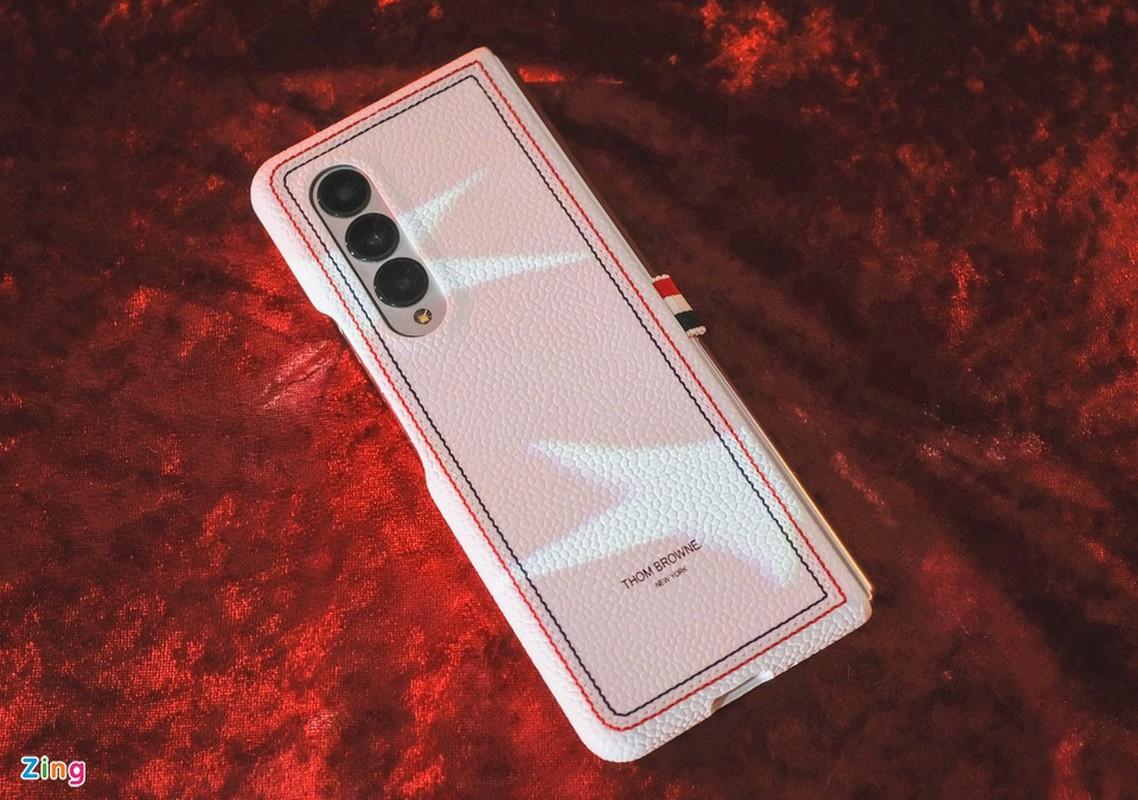 Chi tiet Galaxy Z Fold3 Thom Browne Edition, gia 84 trieu dong-Hinh-14