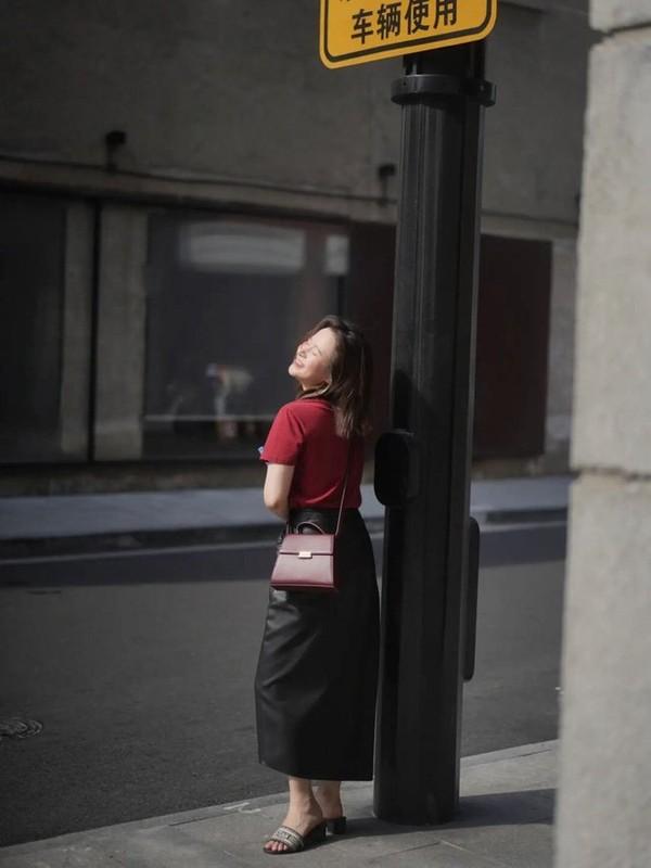 Street style Chau A tuan qua ngap tran sac do don ngay Thu-Hinh-7
