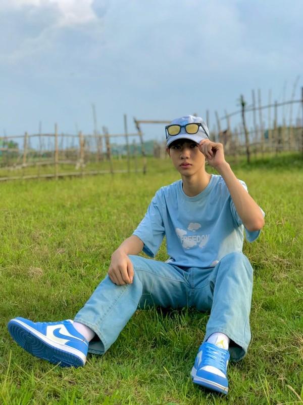 Hot boy 2K5 so huu guong mat dien trai cung nu cuoi ngot ngao-Hinh-3