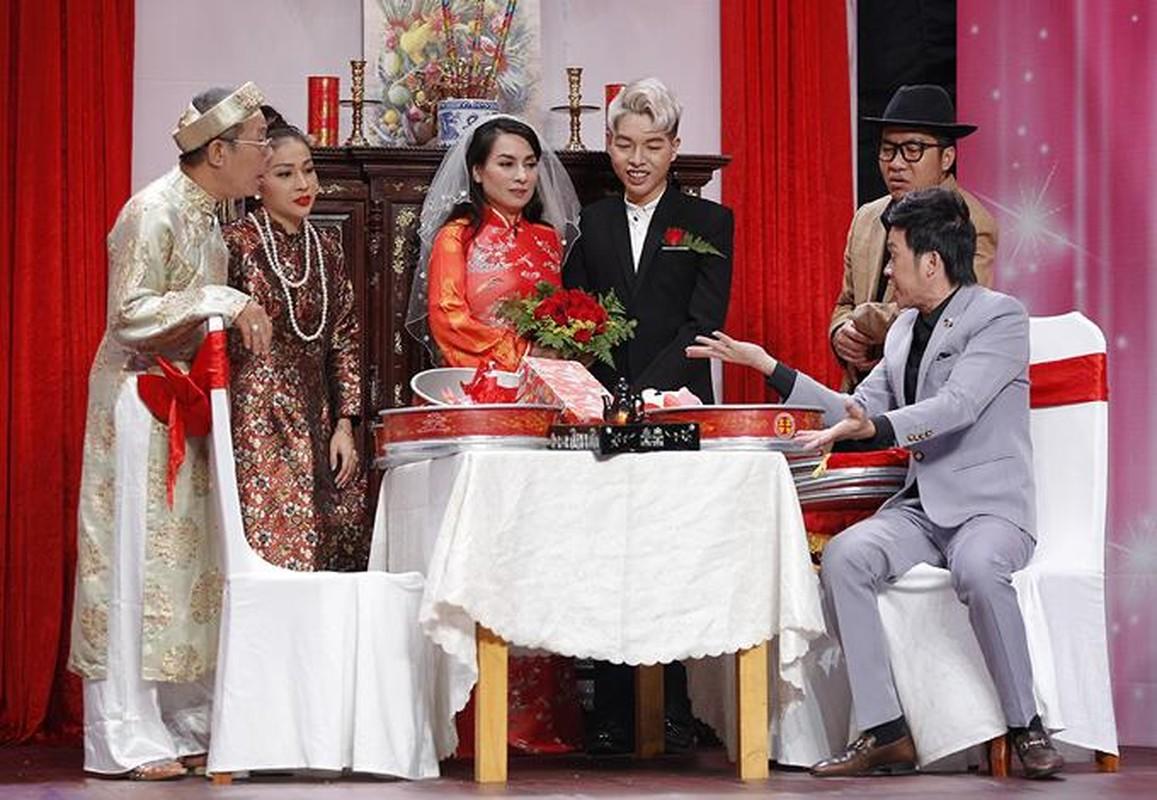 Lan duy nhat Phi Nhung mac vay cuoi, chu re lai kem 24 tuoi-Hinh-4