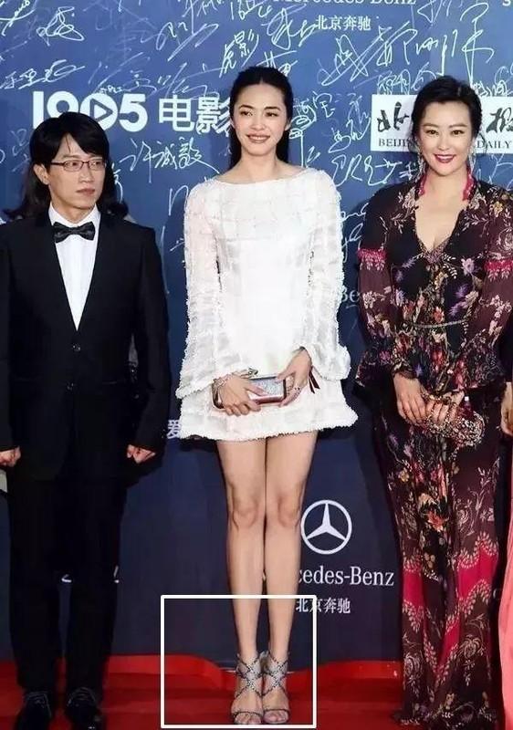 Trieu Le Dinh chinh anh meo san, Quan Hieu Dong co 6 ngon chan-Hinh-11