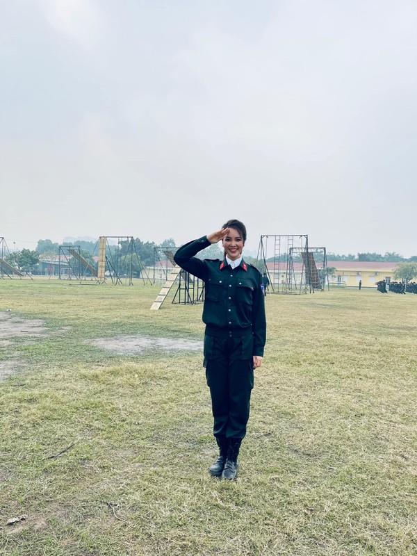 Sot anh gia dinh Ho Ngoc Ha hoi ngo vo chong Duong Khac Linh-Hinh-11