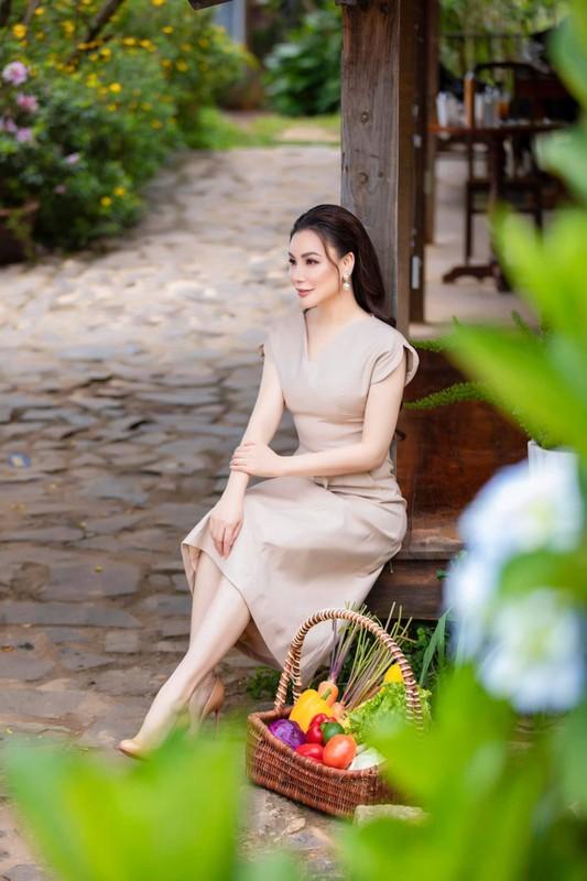 Sot anh gia dinh Ho Ngoc Ha hoi ngo vo chong Duong Khac Linh-Hinh-4