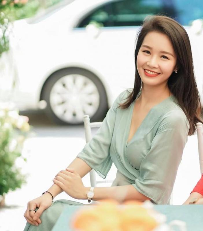 Nhan sac BTV Minh Hang VTV bi cat song vi mat qua tre-Hinh-11