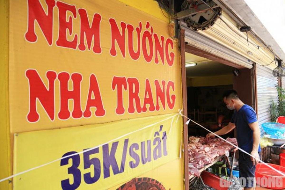 Nguoi Ha Noi den nha hang, tiem nail mua rau cu ngay gian cach-Hinh-7
