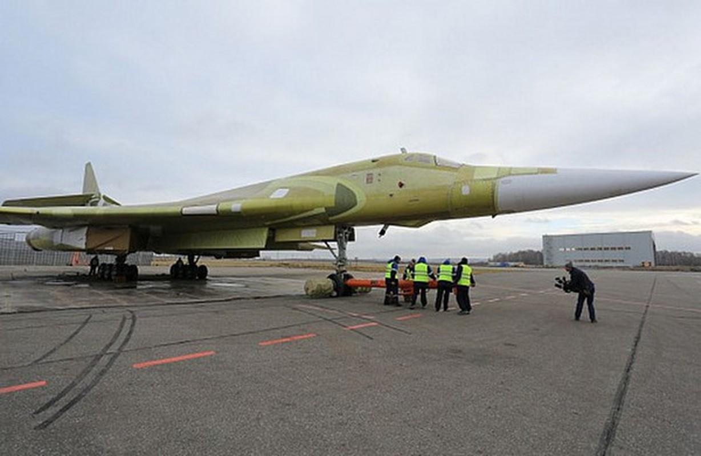 Sieu oanh tac co Tu-160M2 cua Nga sap hoan thien, san sang cat canh-Hinh-12