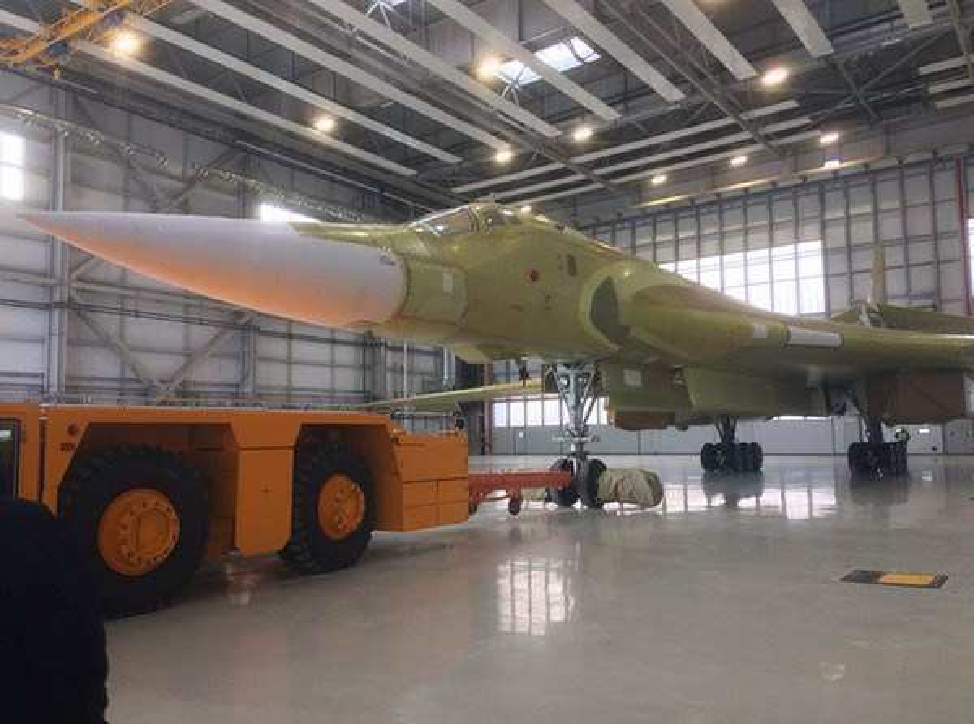 Sieu oanh tac co Tu-160M2 cua Nga sap hoan thien, san sang cat canh-Hinh-2