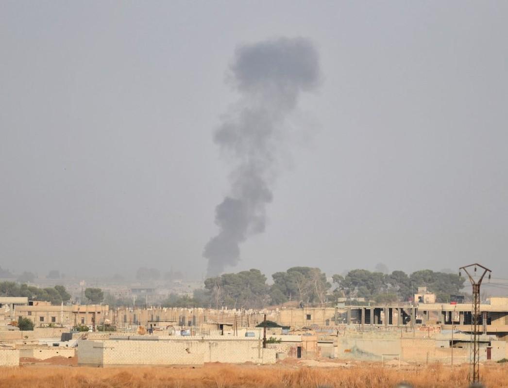 Canh tuong khoc liet khi biet kich Tho Nhi Ky tan cong nguoi Kurd-Hinh-5