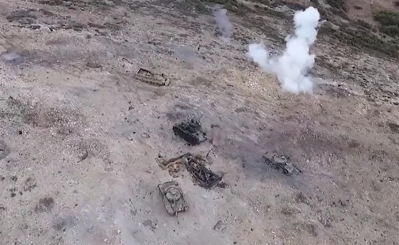 Xe tang T-62M cua Nga tan tanh o chien truong Idlib, Latakia-Hinh-2