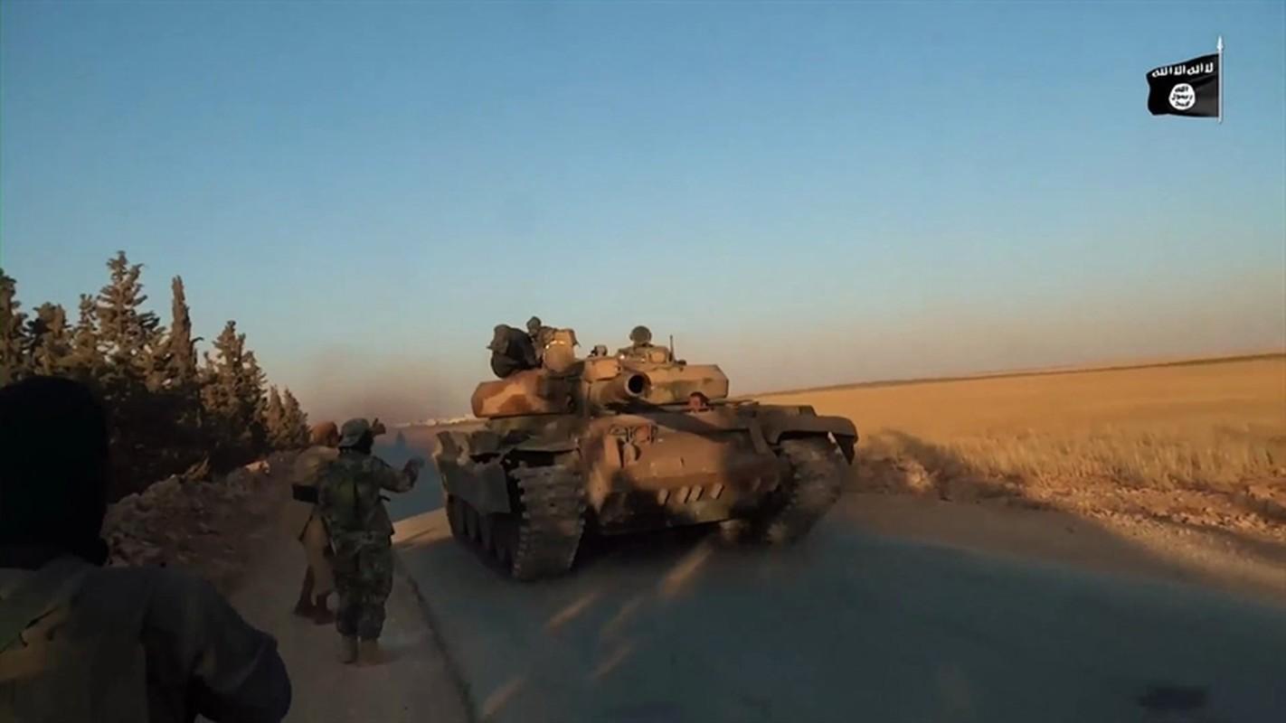 Xe tang T-62M cua Nga tan tanh o chien truong Idlib, Latakia-Hinh-6