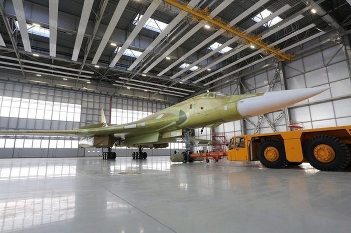 Can canh khoang dong co cuc khung cua sieu oanh tac co Tu-160M2-Hinh-10