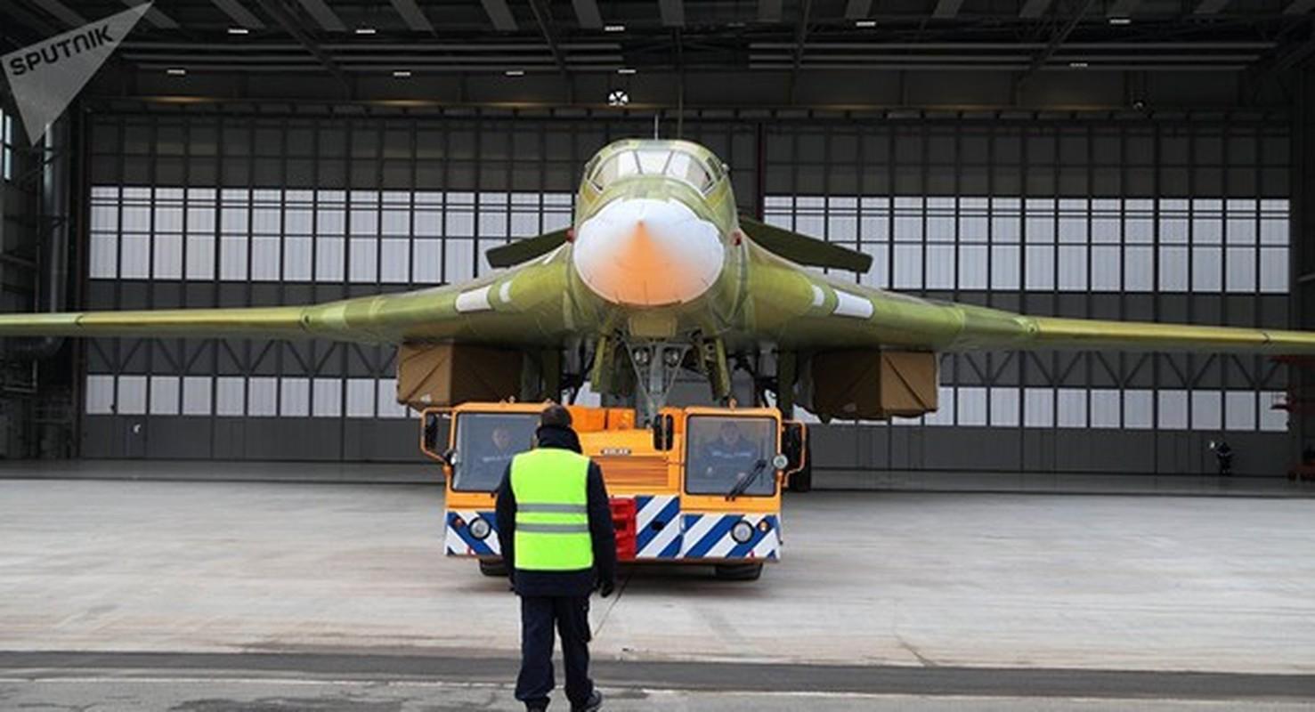 Can canh khoang dong co cuc khung cua sieu oanh tac co Tu-160M2-Hinh-15