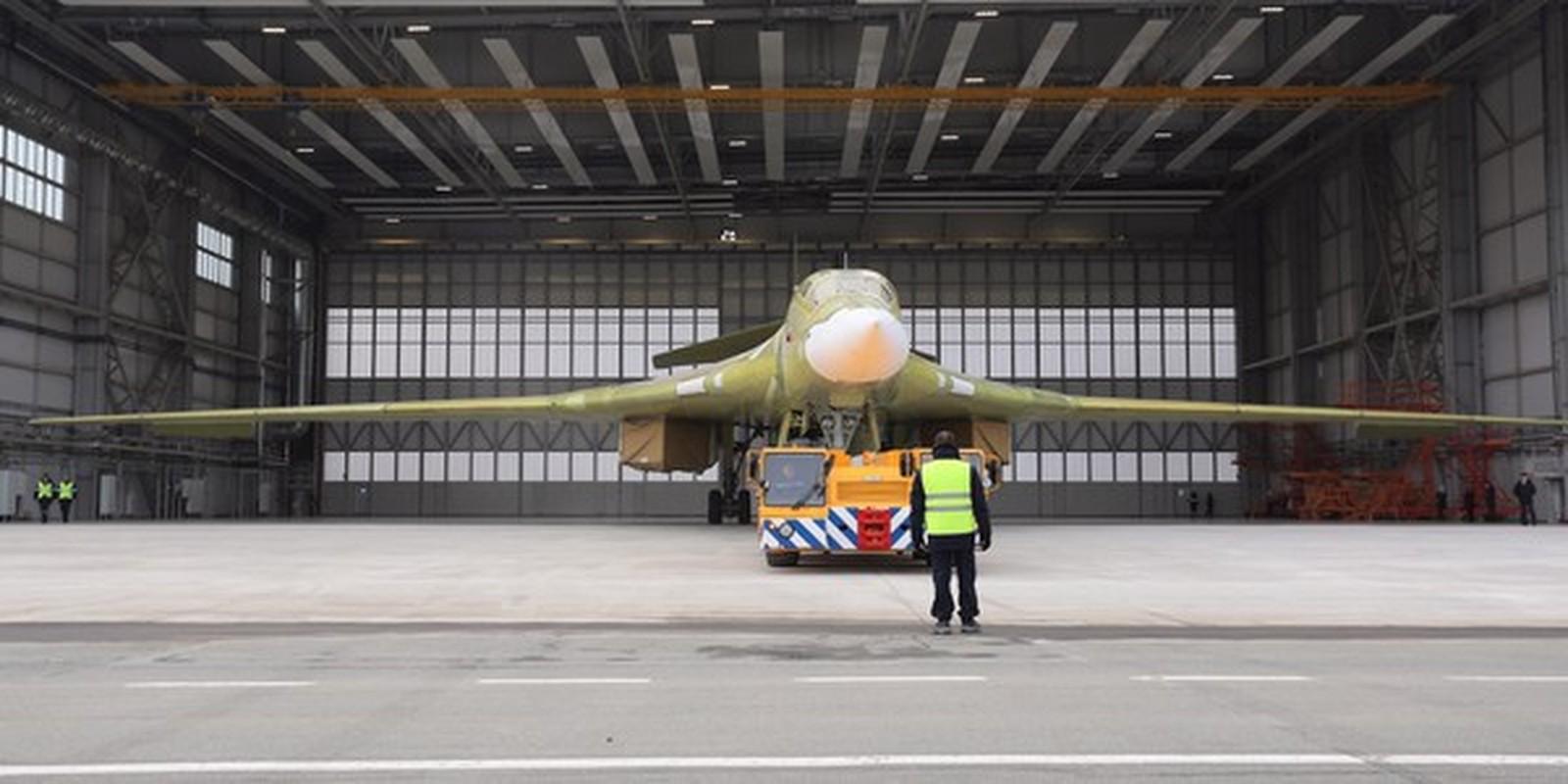 Can canh khoang dong co cuc khung cua sieu oanh tac co Tu-160M2-Hinh-9