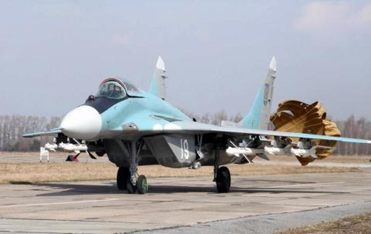 Khong quan Ukraine nhan lo tiem kich MiG-29 chuan NATO dau tien-Hinh-6