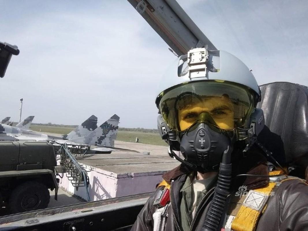 Khong quan Ukraine nhan lo tiem kich MiG-29 chuan NATO dau tien