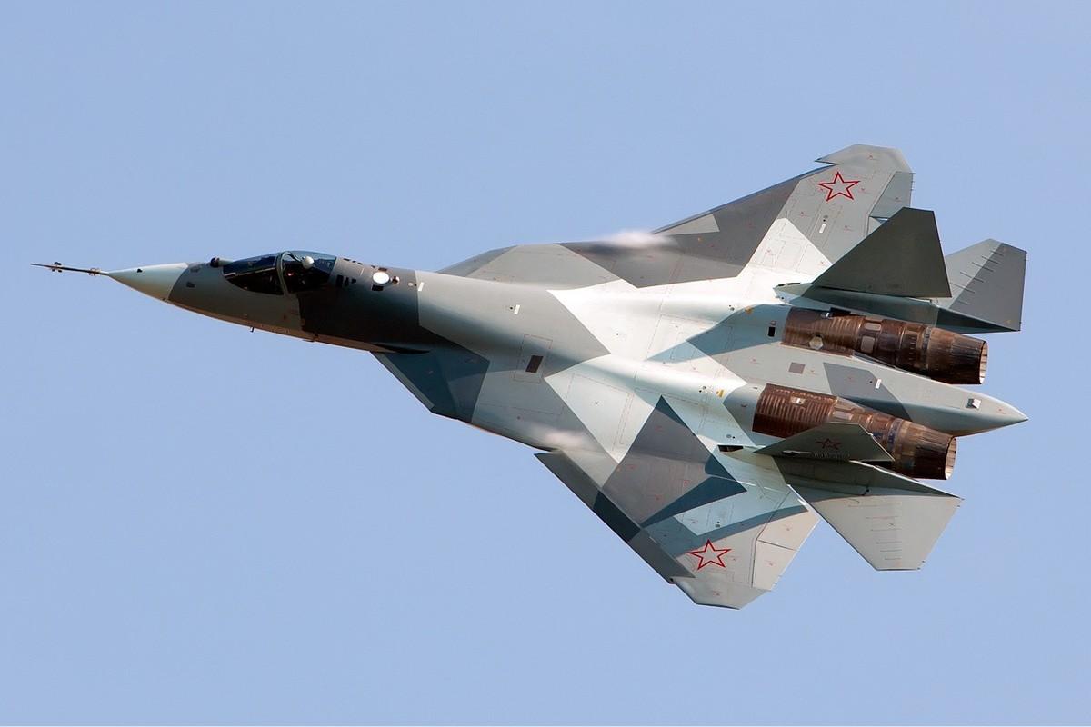 Tu hao vi tiem kich Su-57, Nga sap don chiec dau tien vao bien che-Hinh-12