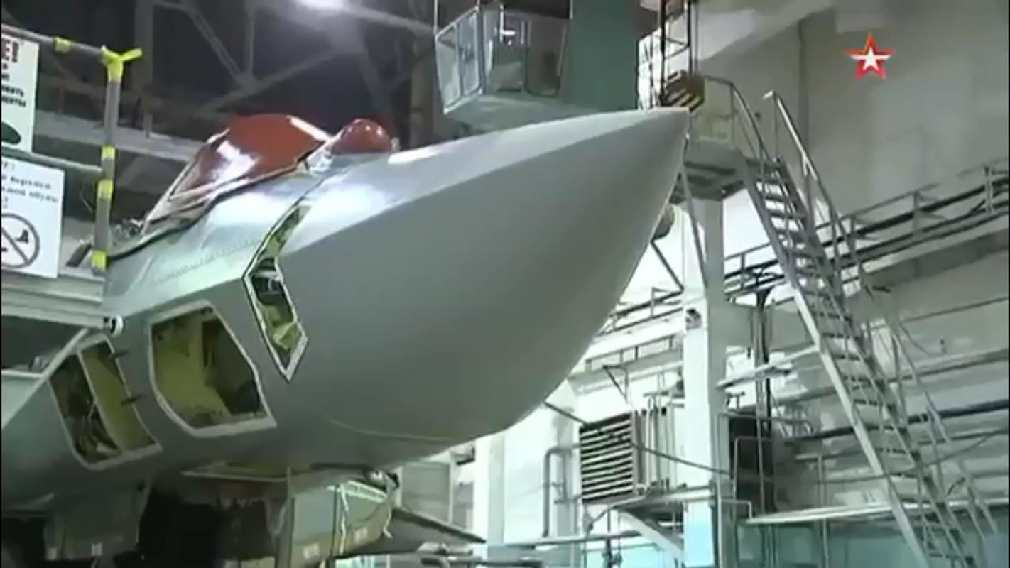 Tu hao vi tiem kich Su-57, Nga sap don chiec dau tien vao bien che-Hinh-3