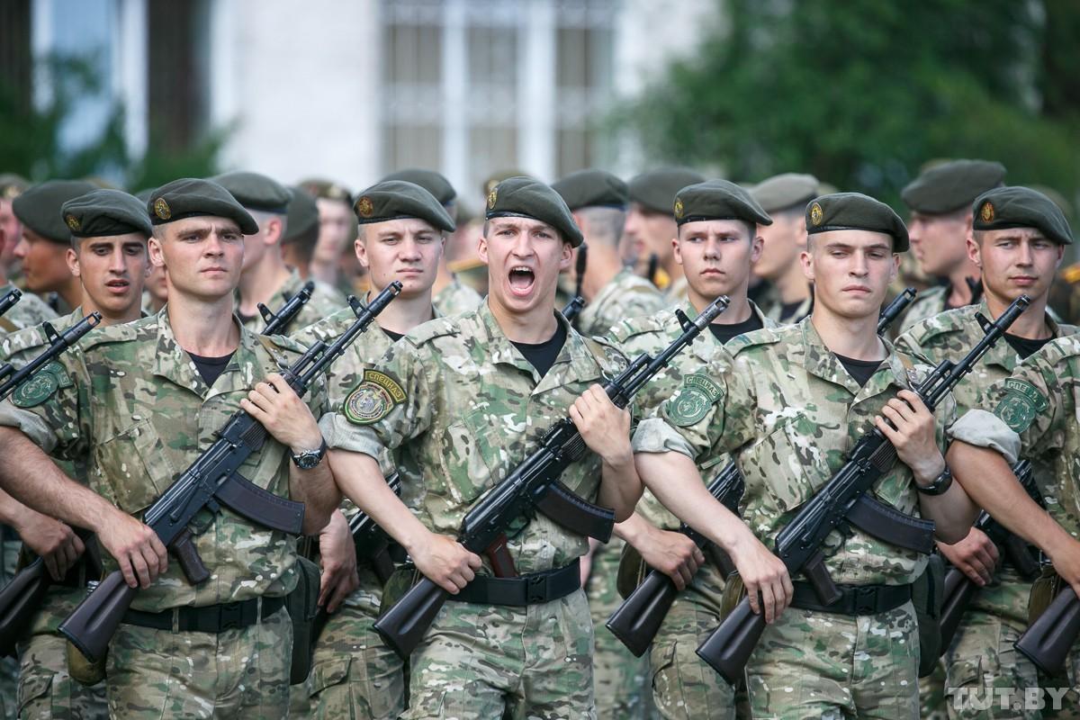 Chan dong: Tuyen bo tap tran voi NATO, tong tham muu truong quan doi Belarus bi cach chuc-Hinh-12