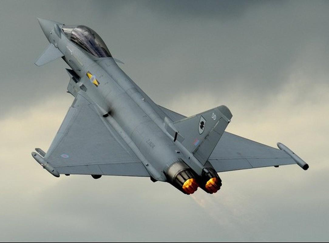 Bi S-400 o Syria khoa chat, may bay Eurofighter Typhoon NATO cong duoi bo chay?-Hinh-5