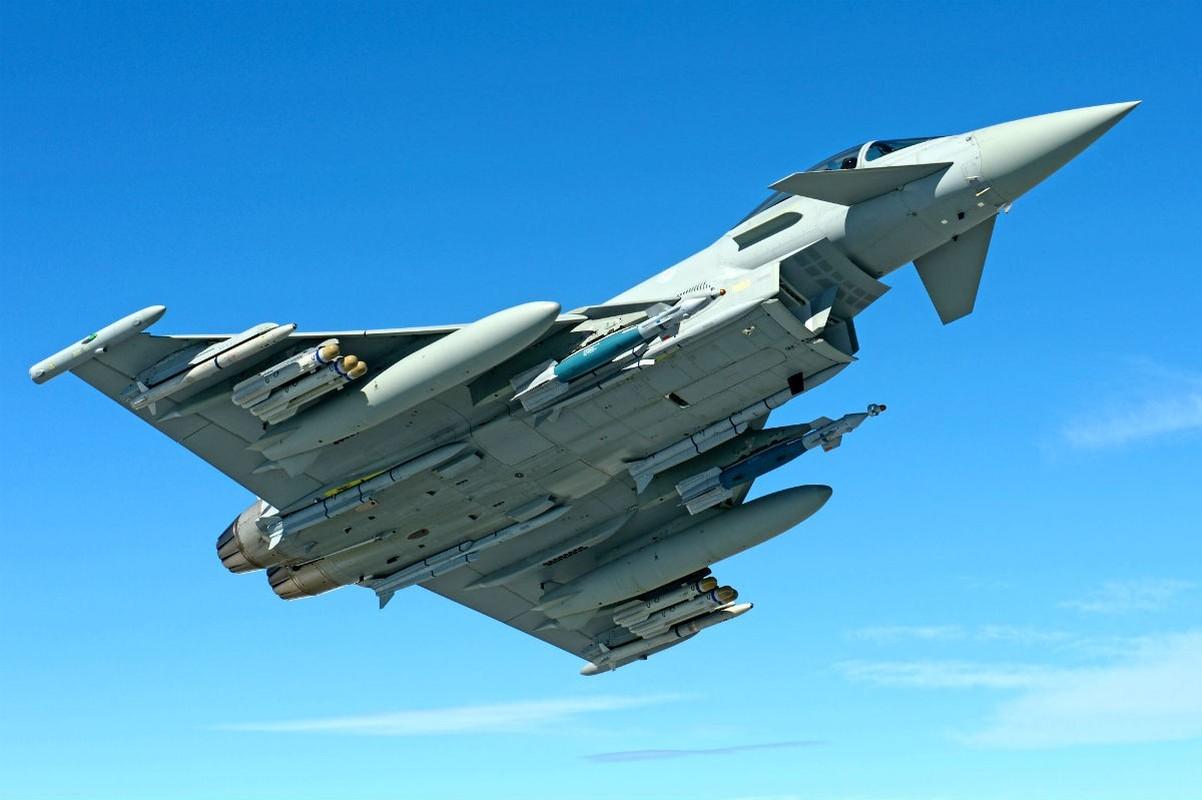 Bi S-400 o Syria khoa chat, may bay Eurofighter Typhoon NATO cong duoi bo chay?-Hinh-7