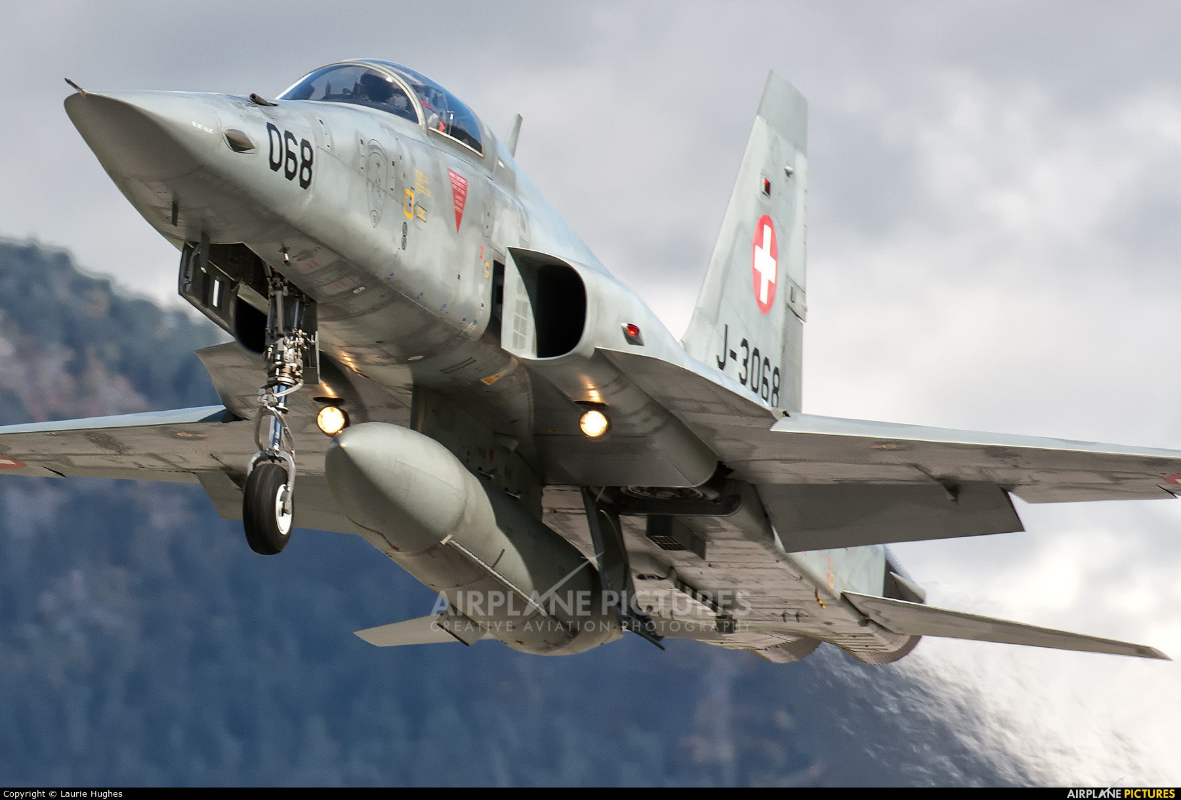 Mua lai tiem kich F-5E cu rich, My co toan tinh gi khien Nga, Trung lo ngai?-Hinh-13