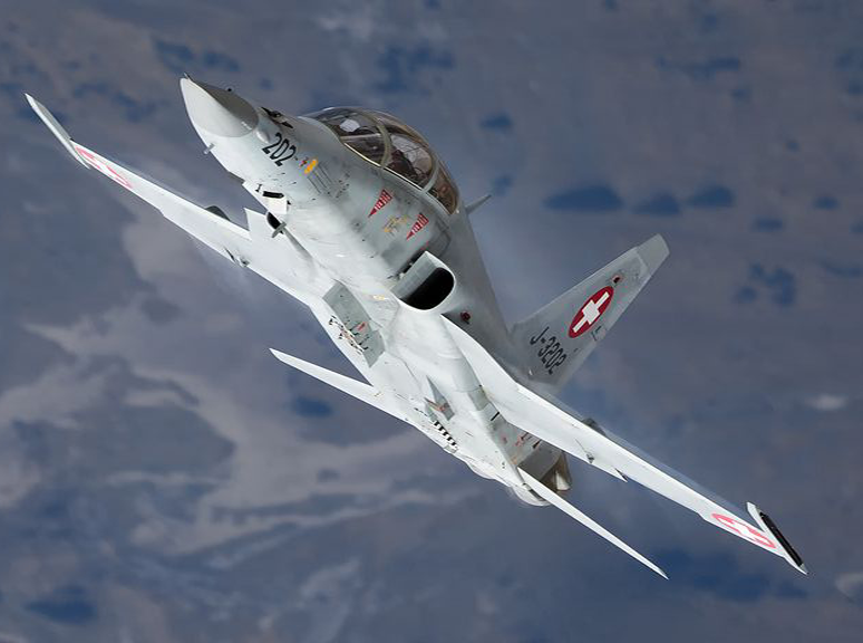 Mua lai tiem kich F-5E cu rich, My co toan tinh gi khien Nga, Trung lo ngai?-Hinh-16