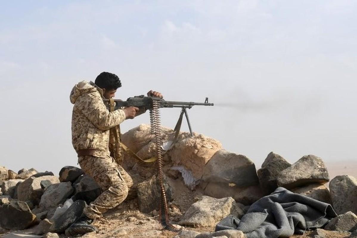 Quan doi Syria manh tay khi dua loat sung may PK cua Nga vao chien truong Idlib-Hinh-14
