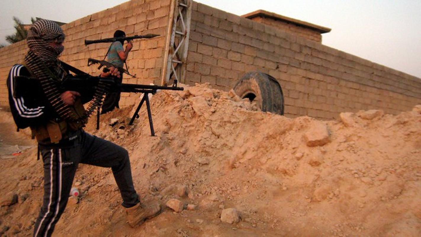 Quan doi Syria manh tay khi dua loat sung may PK cua Nga vao chien truong Idlib-Hinh-6