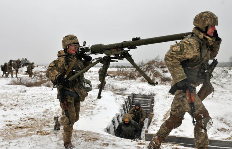 Kinh ngac binh si Syria lieu minh vac ca phao SGP-9 len vai khai hoa-Hinh-22