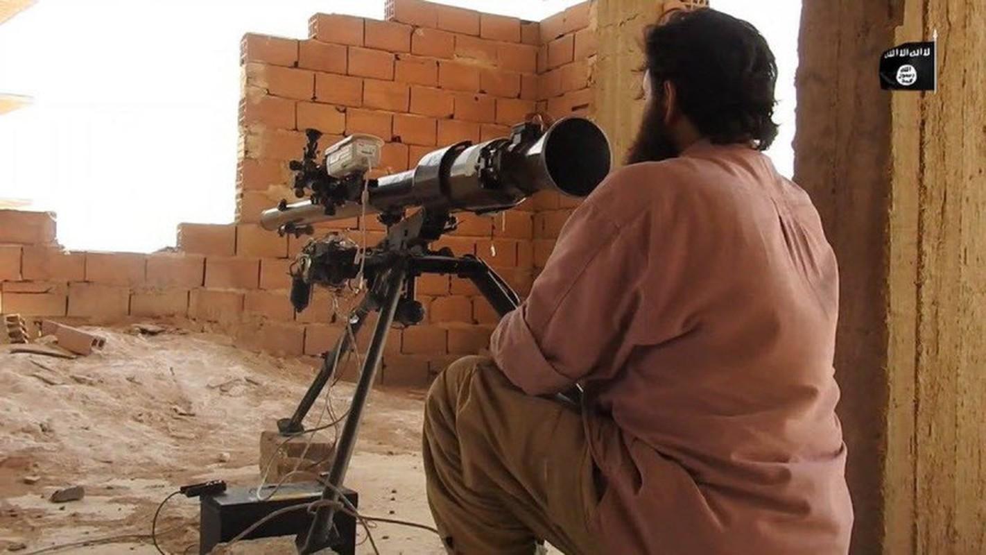 Kinh ngac binh si Syria lieu minh vac ca phao SGP-9 len vai khai hoa-Hinh-7