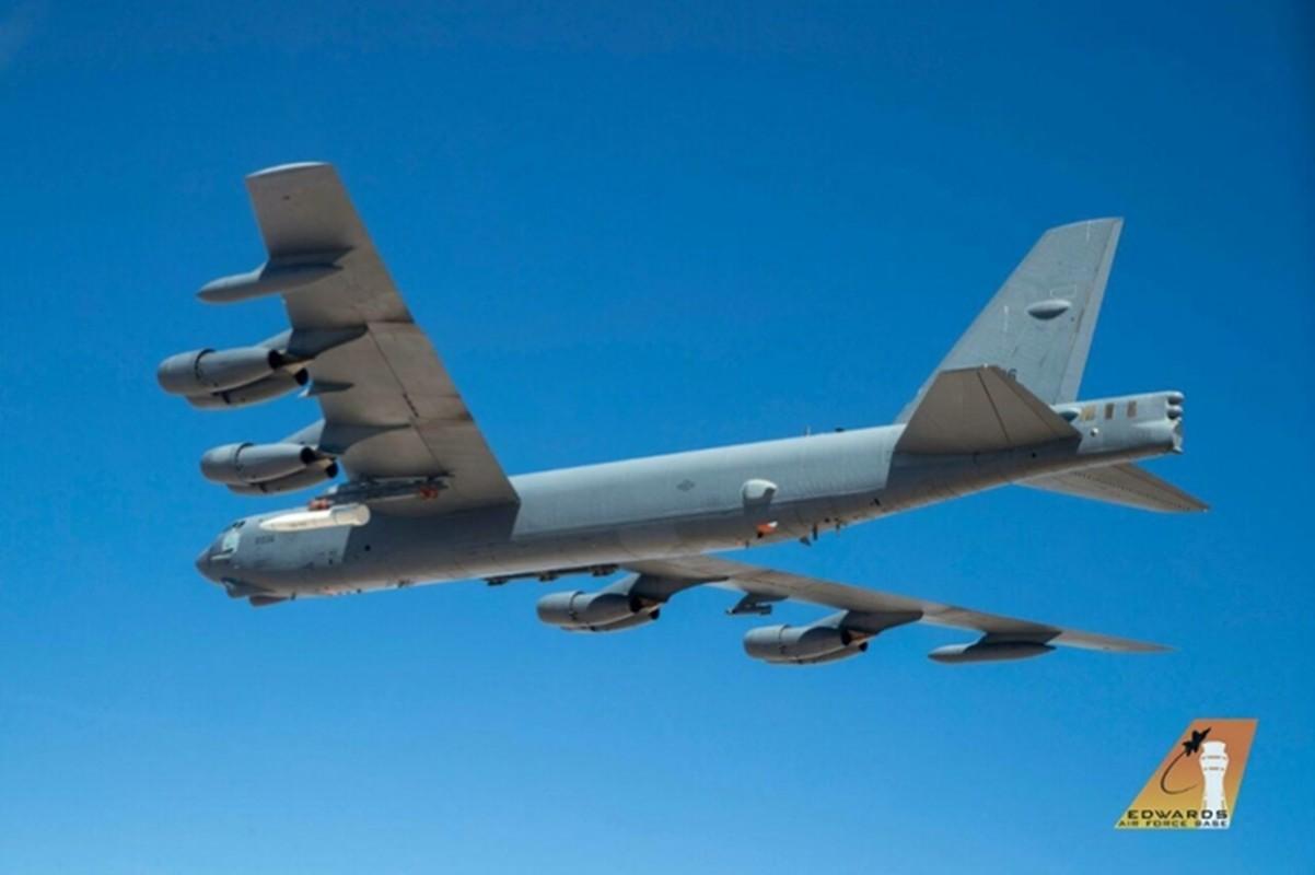 My lien tiep khoe hinh anh ten lua AGM-183A tren may bay nem bom B-52H-Hinh-8