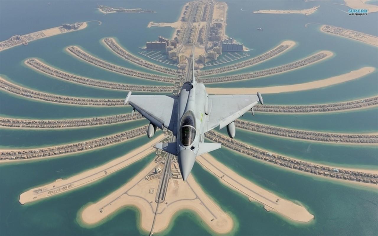 Duc chi nui tien nang cap tiem kich Typhoon, quyet doi dau Su-35 Nga-Hinh-5
