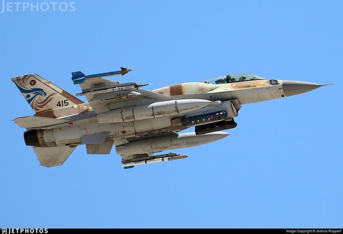 Bi S-300PM Syria de doa, tiem kich F-16 Israel bo chay thuc mang?-Hinh-2