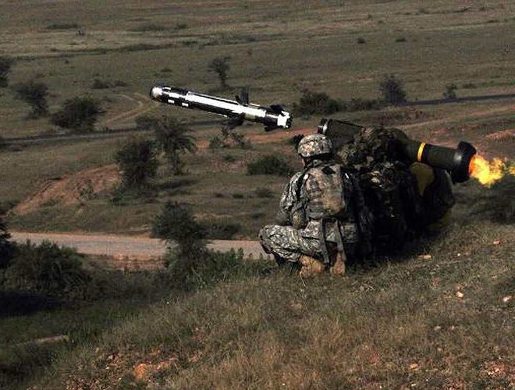 Ukraine mua them lo ten lua chong tang Javelin moi tu My... Nga toat mo hoi hot-Hinh-8