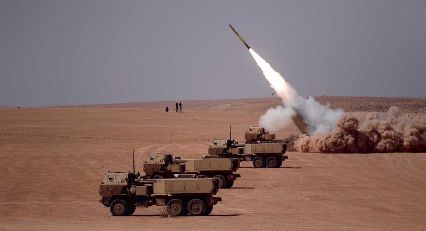 Phao phan luc M142 HIMARS cua My uy hiep truc tiep can cu khong quan cua Iran?-Hinh-3