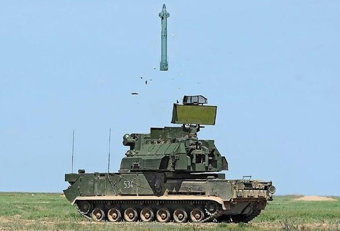 Giai ma ten lua Iran ban roi may bay Ukraine, cuop sinh mang 176 nguoi-Hinh-10