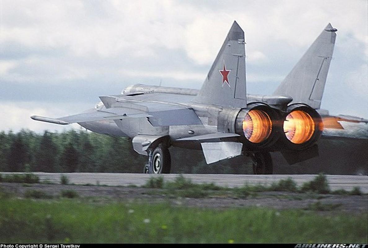 MiG-25 la tiem kich danh chan tot nhat the gioi?-Hinh-12