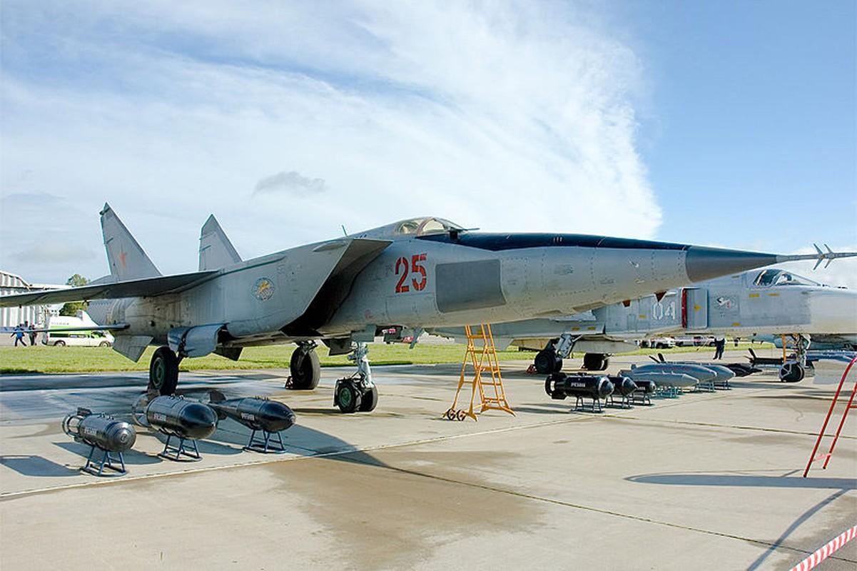 MiG-25 la tiem kich danh chan tot nhat the gioi?