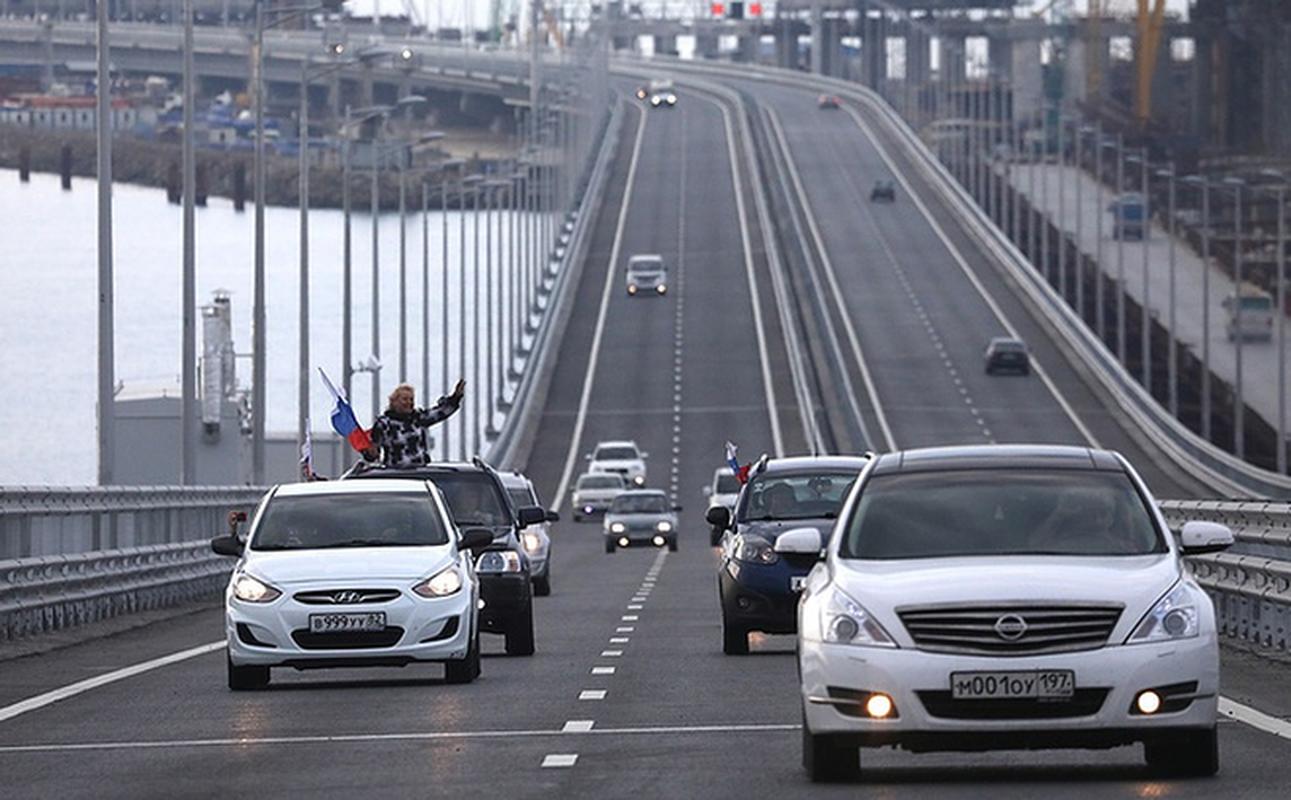 Ukraine lai de doa pha huy cau vuot Crimea, quan doi Nga phan ung the nao?-Hinh-3