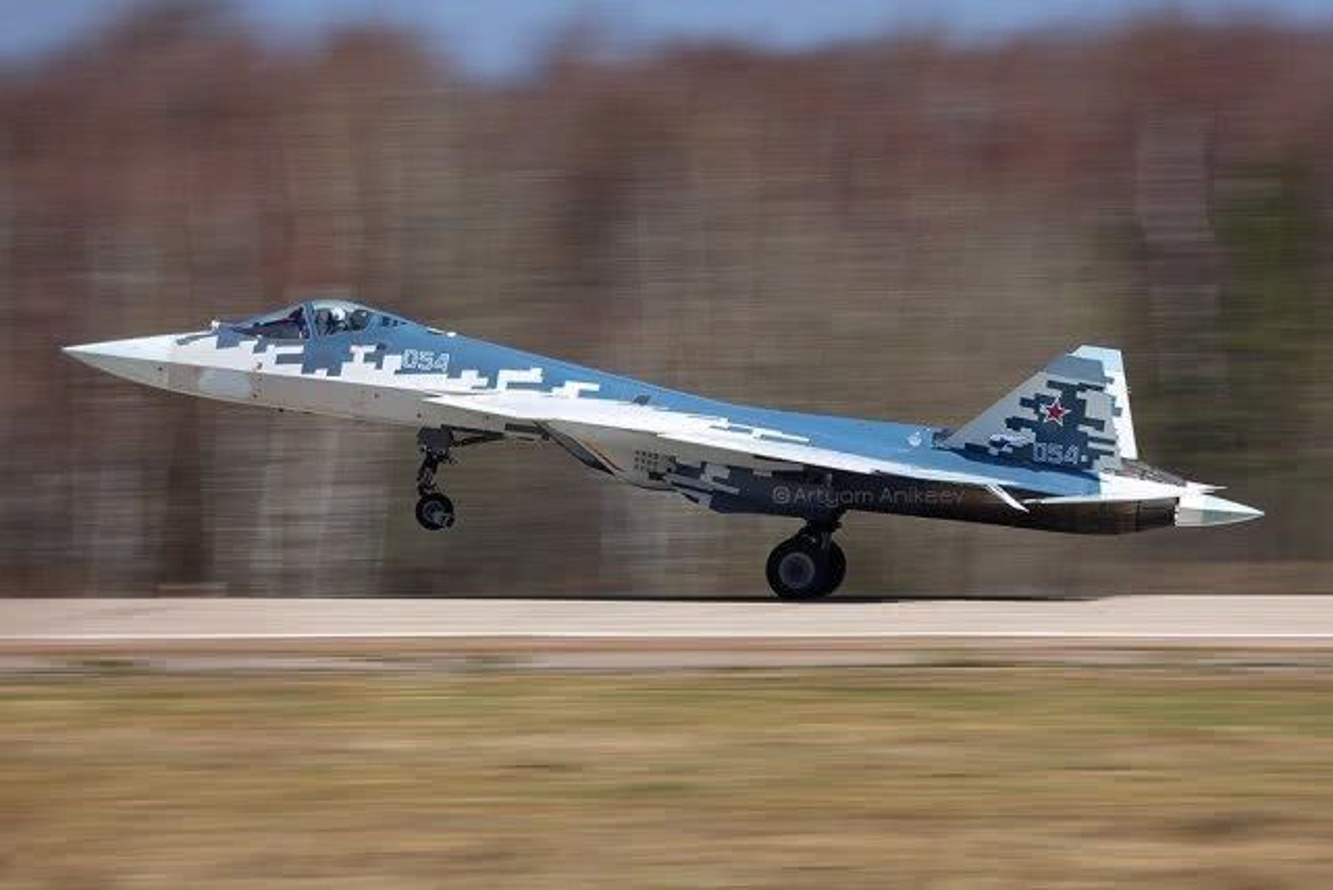 Khong quan Israel nang loi: Tiem kich Su-57 cua Nga chi de... bay bieu dien-Hinh-7