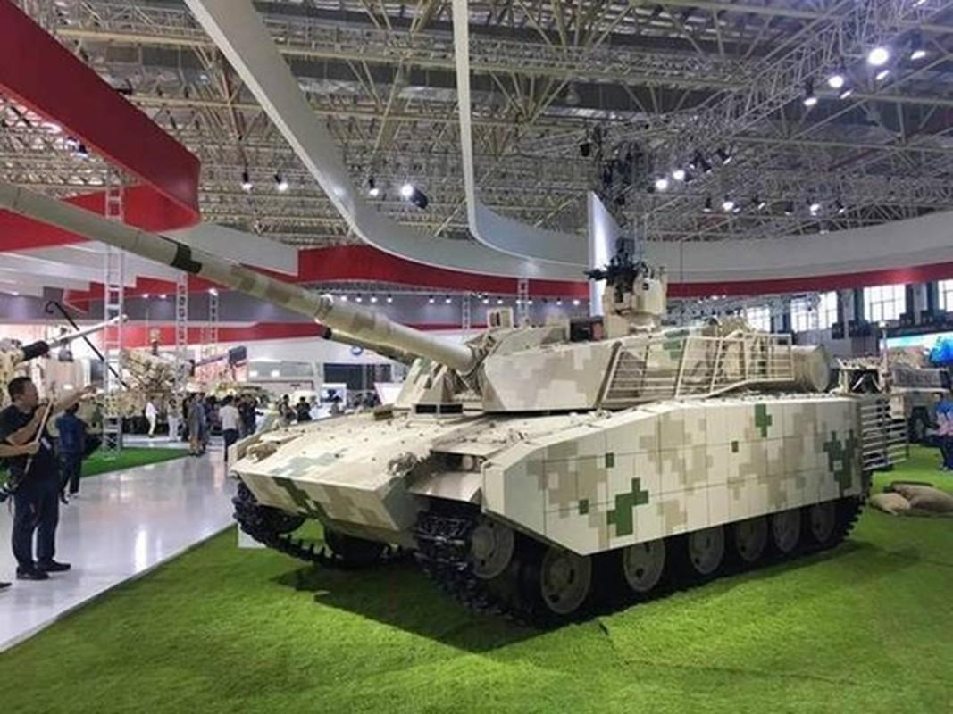 Trung Quoc khoe xe tang hang nhe Type15, ha duoc T-90S An Do tu 2000m?